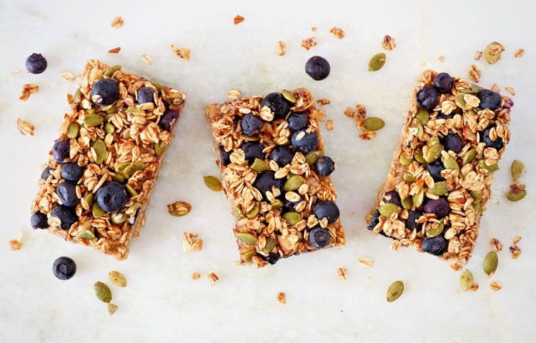 Nutrition bars are a healthy office snack