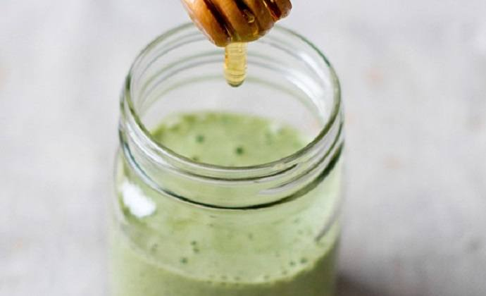 Kale ginger detox smoothie recipe