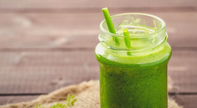 Kale, spinach and avocado green smoothie