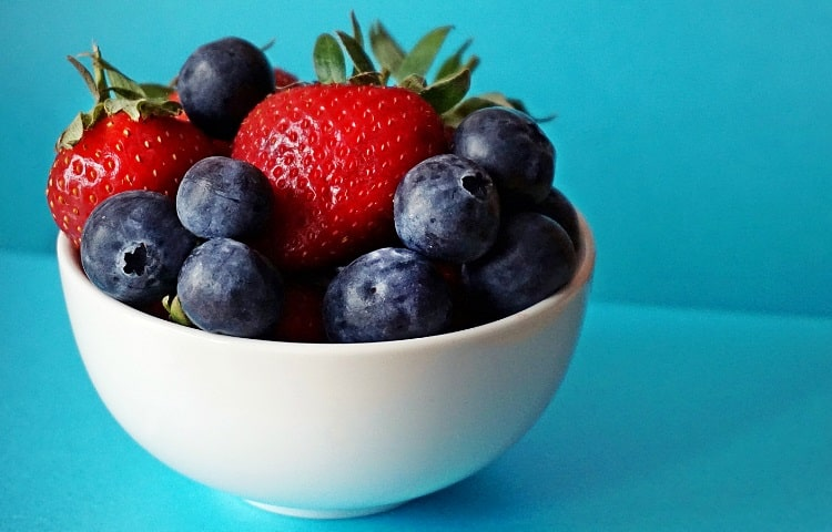 Berries are an antioxidant rich food