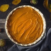 Festive raw pumpkin pie recipe