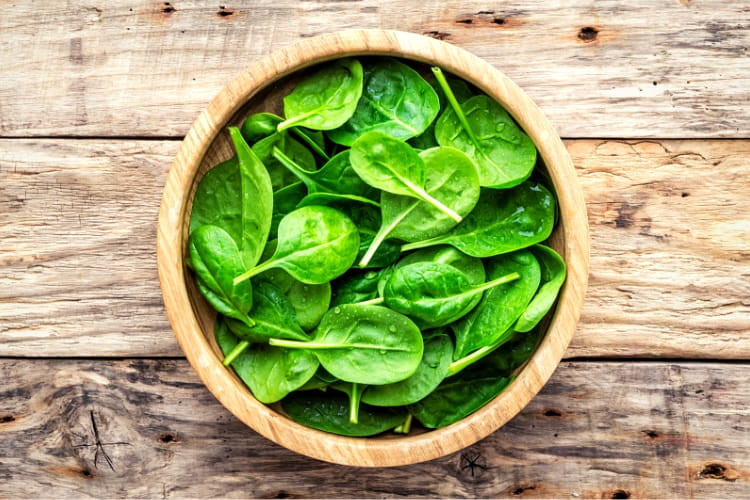 Spinach leaves as a smoothie ingredient