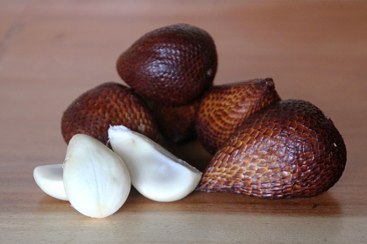 Flesh of snake fruit