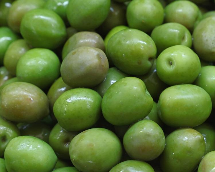 Green Castelvetrano olives
