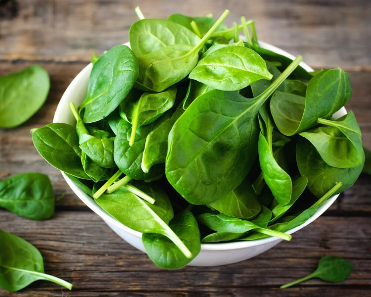 Spinach in bowl