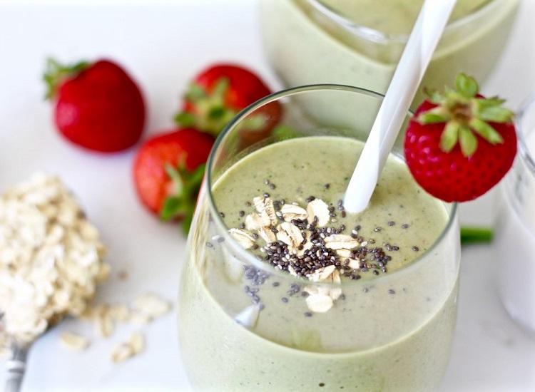Strawberry oatmeal walnuts breakfast smoothie