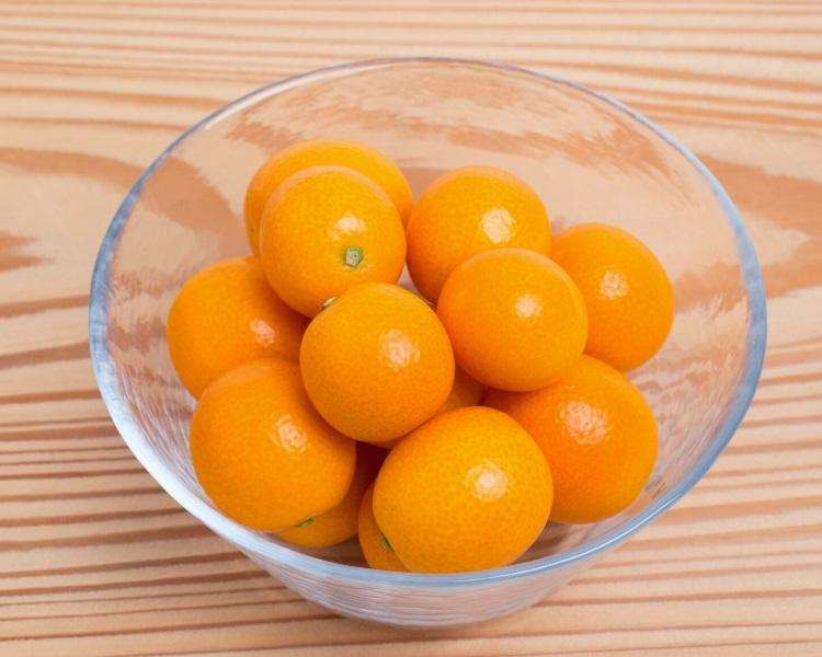 Kumquats in a bowl